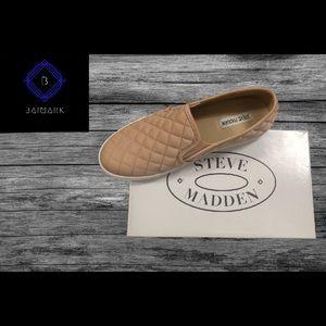 Steve Madden tennis shoe